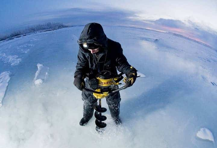 How to dig an ice hole