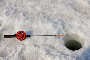 How to start Ice Fishing (featured)