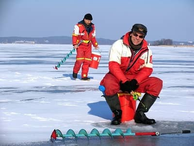 how to keep Ice fishing hole from freezing Featured
